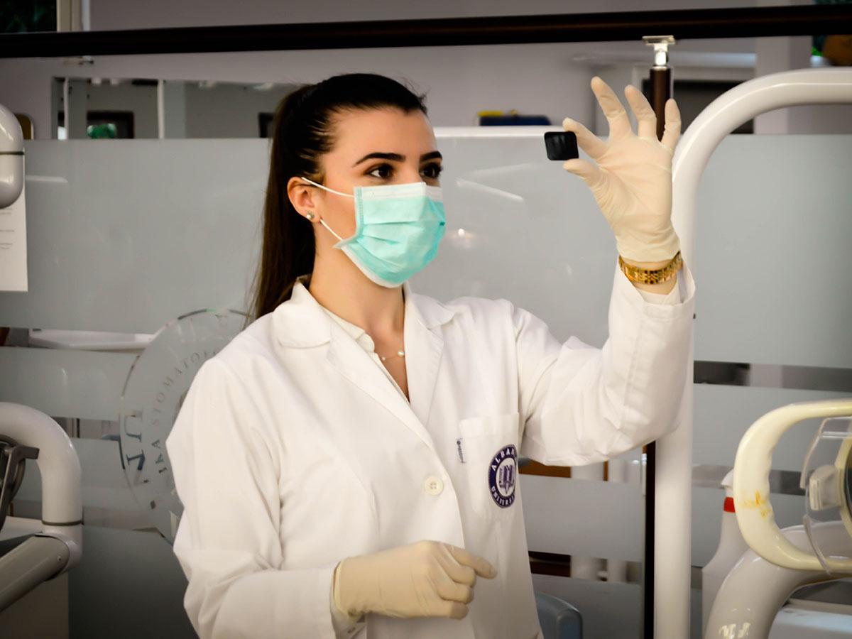 Specialist healthcare scientist
